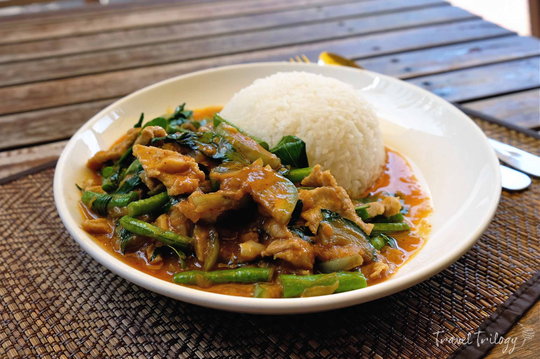 Restaurants serving traditional Lao food abounds in Vientiane.