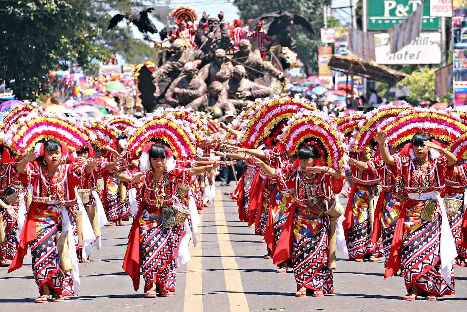 kaamulan festival nomad's lens