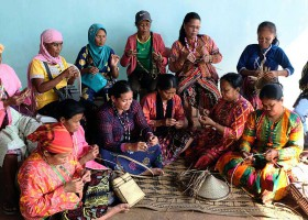 Monom | Periscopes of Teduray Folk Weaving Traditions